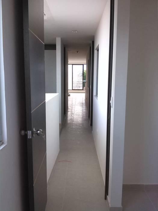 Proyecto Mauricio Enriquez Estudios y despachos de estilo moderno de EcoDESING S.A.S DISEÑO DE ESPACIOS CON INGENIO Moderno Cerámico