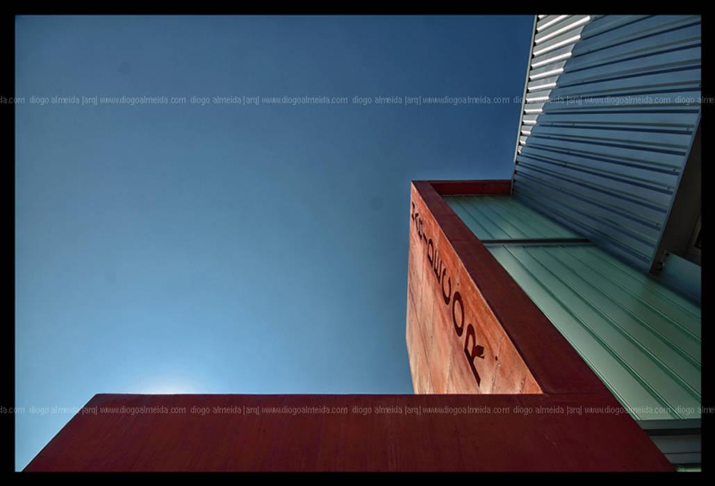 Fachada Principal Espaços comerciais minimalistas por Diogo Almeida - Arquitecto Minimalista Betão armado