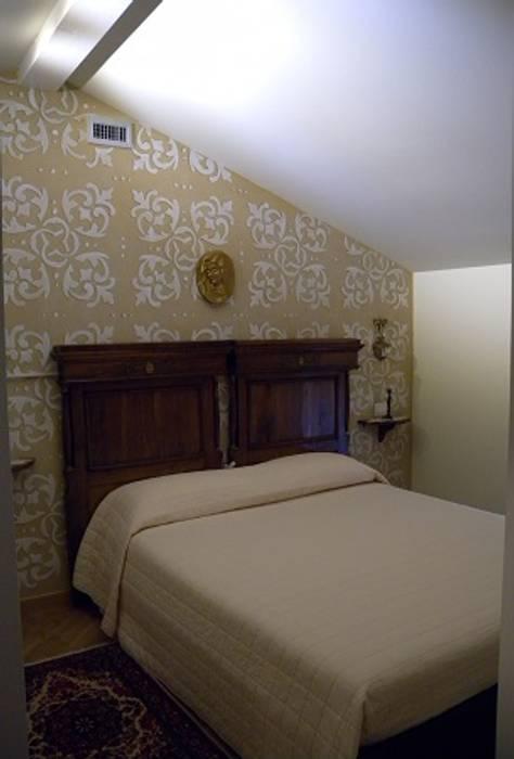 Camera da letto: camera da letto in stile in stile classico di ...