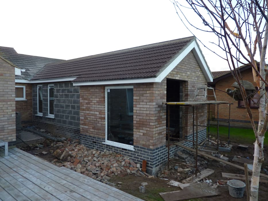 Extension windows going in の JMAD Architecture (previously known as Jenny McIntee Architectural Design)