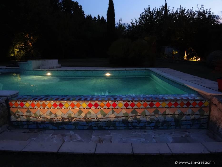 Débordement de piscine en mosaïque: Piscines  de style  par Zam-création