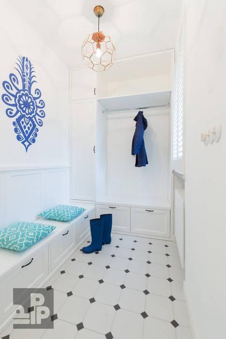 Pogotowie Projektowe Aleksandra Michalak Eclectic style corridor, hallway & stairs