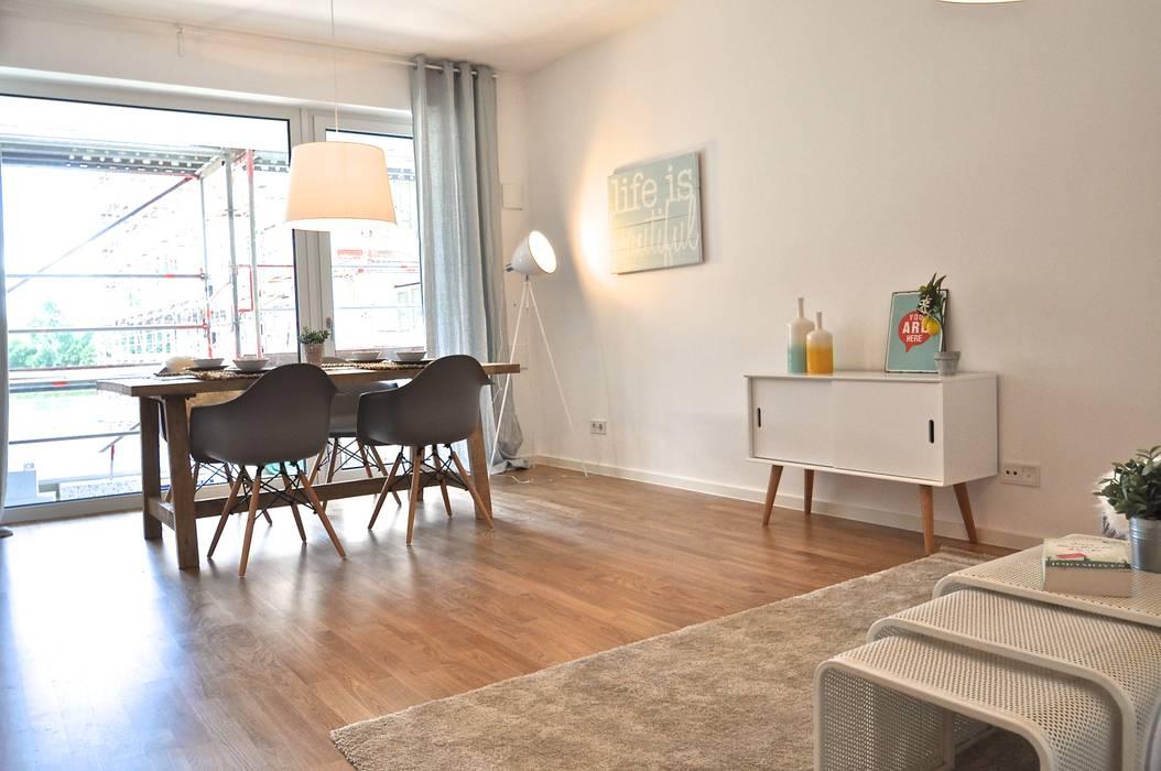 Musterwohnung in Pastell Esszimmer im Landhausstil von Karin Armbrust - Home Staging Landhaus
