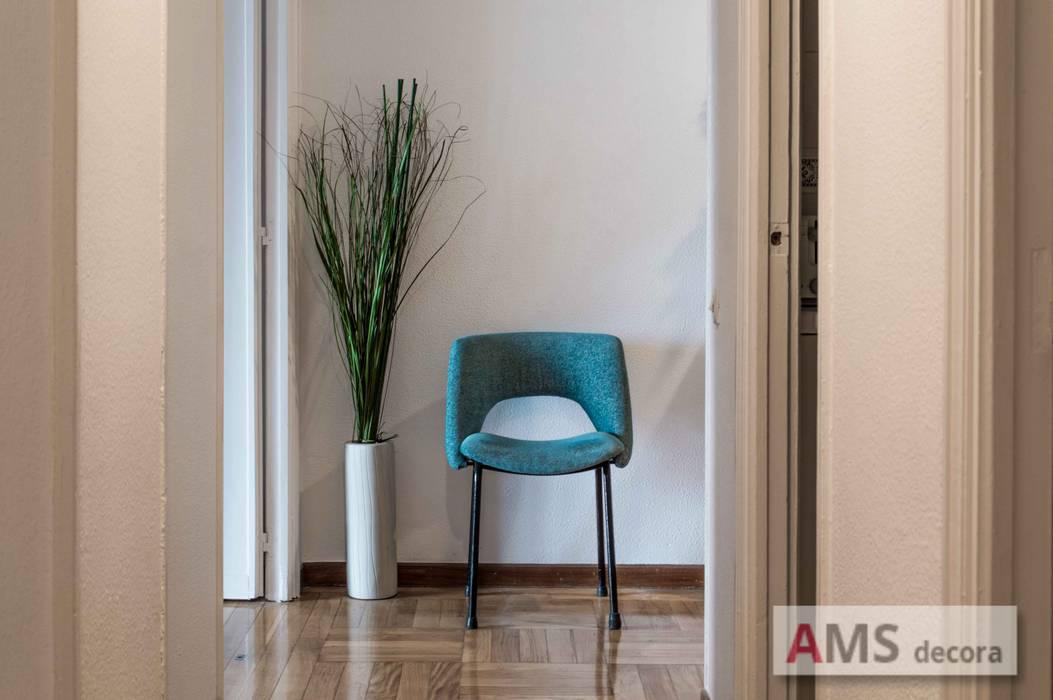 Detalle recibidor AMS decora Vestíbulos, pasillos y escalerasSillones Azul