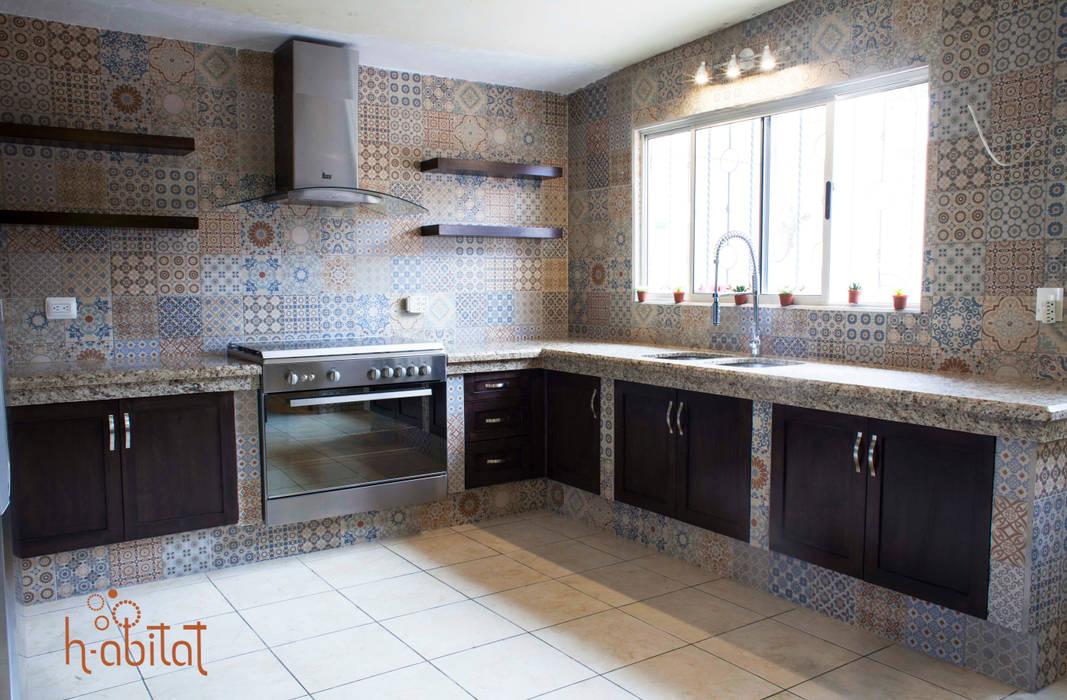 Cocina Moderna con azulejo Vintage Cocinas de estilo ecléctico de H-abitat Diseño & Interiores Ecléctico Azulejos