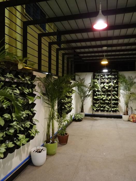 Indoor Landscape:  Garden by Hasta architects