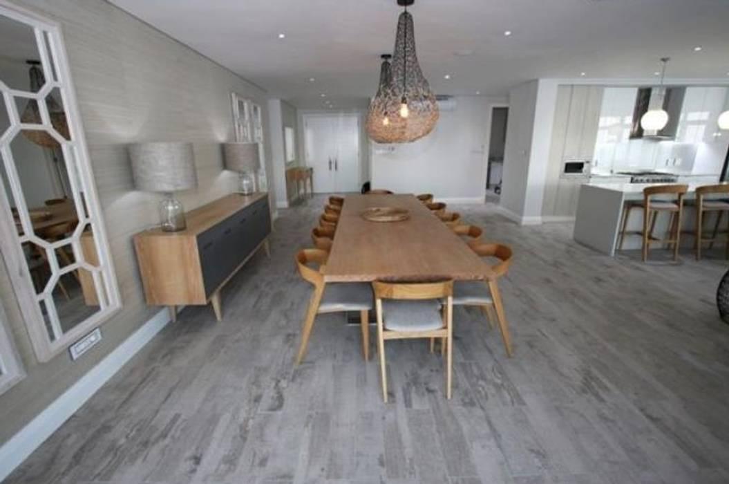 Oyster schelles Modern dining room by BHD Interiors Modern
