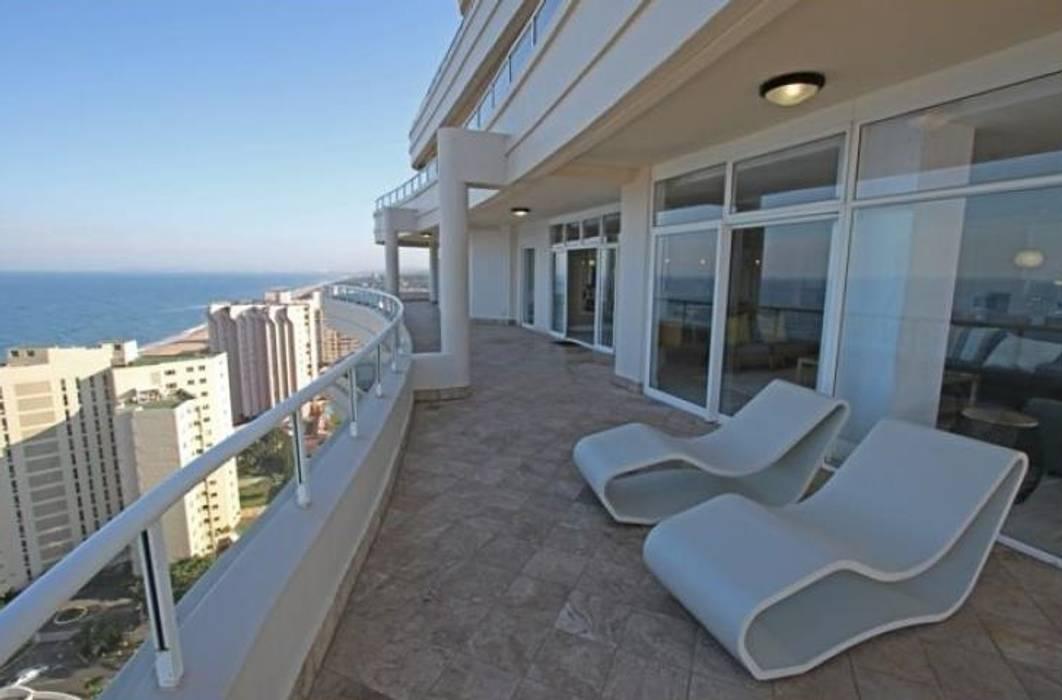 Modern style balcony, porch & terrace by BHD Interiors Modern