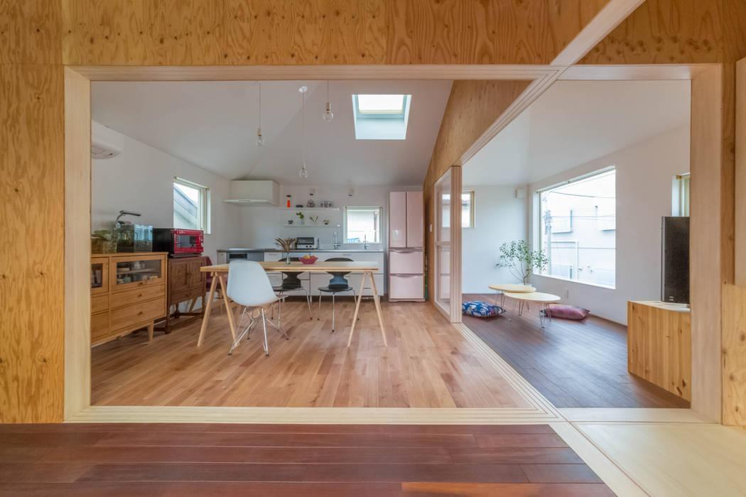Dining room by 水石浩太建築設計室/ MIZUISHI Architect Atelier