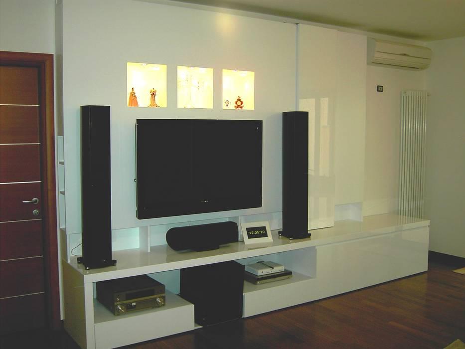 Projekty,  Salon zaprojektowane przez DS ARREDI IN LEGNO, Klasyczny Drewno O efekcie drewna