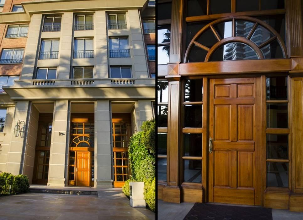 Puerta de acceso modelo Boston, Edificio Reina Victoria, Viña del Mar Puertas y ventanas clásicas de Ignisterra S.A. Clásico Madera Acabado en madera