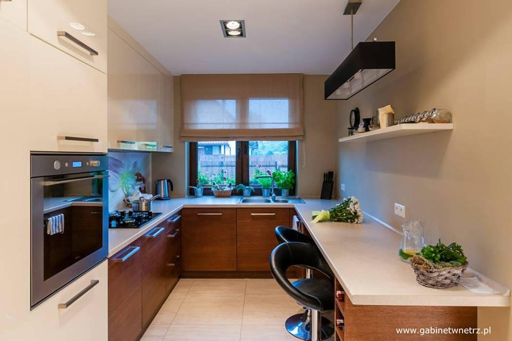 Segment w Pruszkowie: styl , w kategorii Kuchnia zaprojektowany przez Gabinet Wnętrz