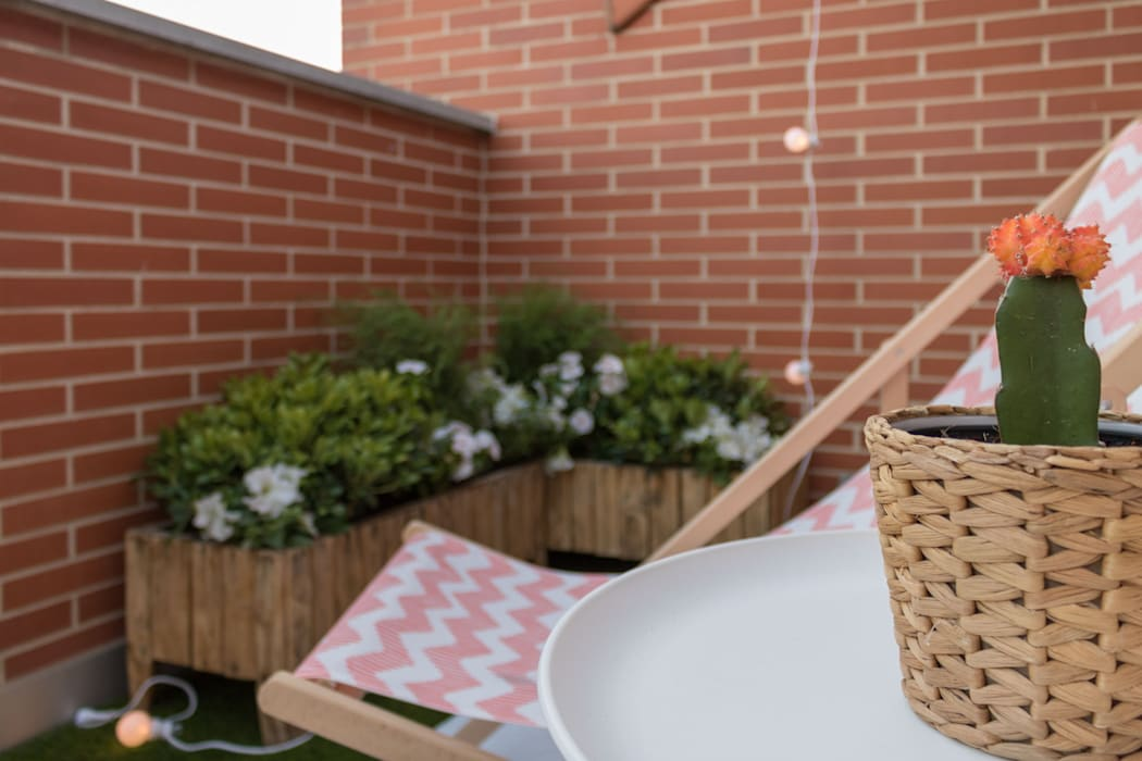 Scandinavian style balcony, porch & terrace by Become a Home Scandinavian
