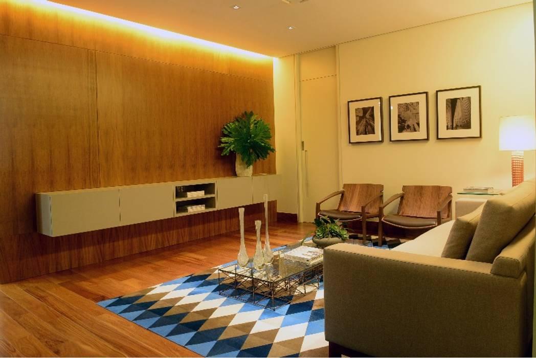 Edificios de Oficinas de estilo  por Elisa Vasconcelos Arquitetura  Interiores, Moderno