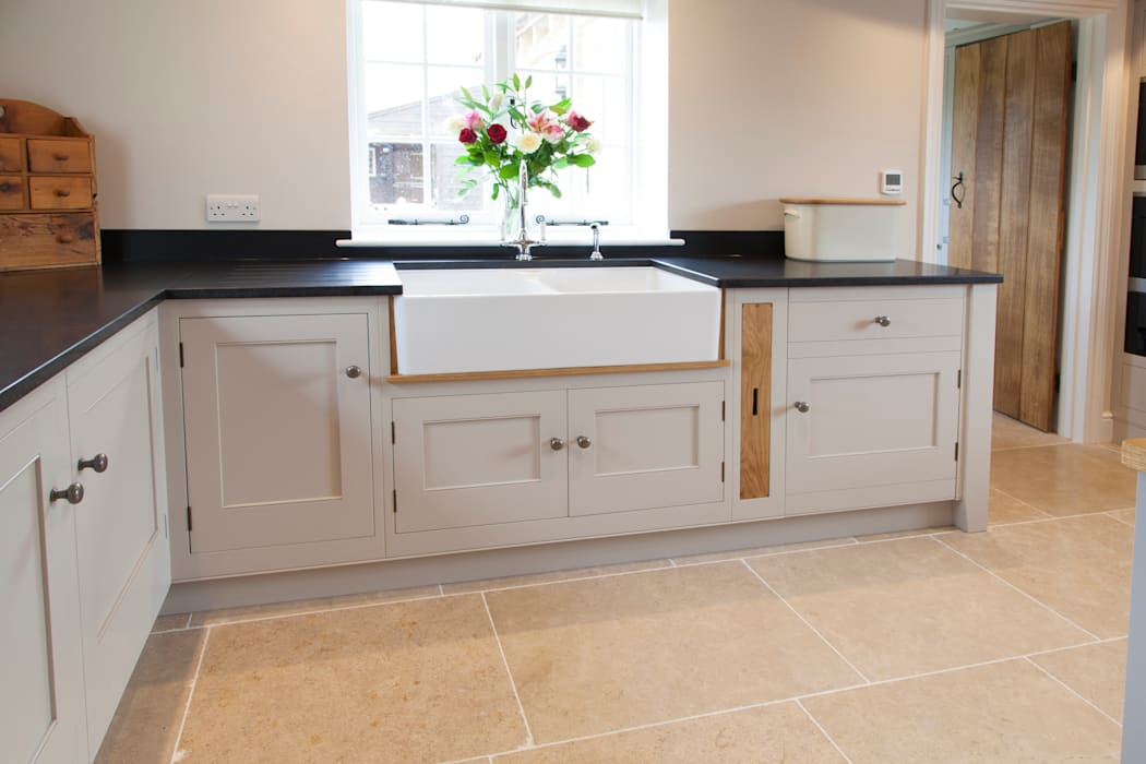 Old English - Bespoke kitchen project in Cambridgeshire 根據 Baker & Baker 田園風