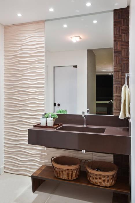 Bathroom by Studio AZ, Modern