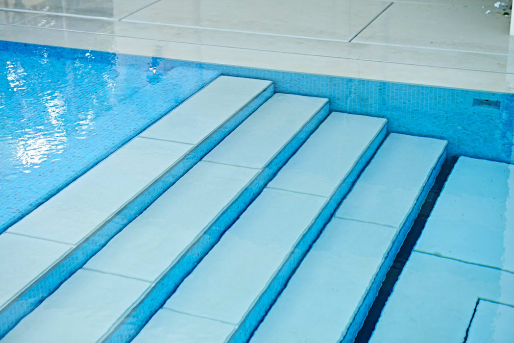 Stone covered Movable Floors:  Pool by AGOR Engineering,