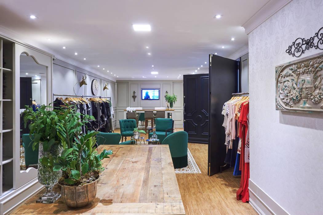 Loja Roupas Femininas Piloni Arquitetura Shopping Centers clássicos