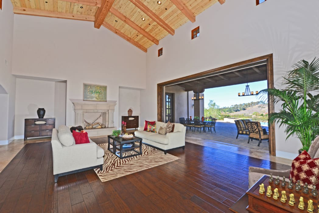 Santaluz Vacant Staged To Sell Living Room By Metamorphysis Home