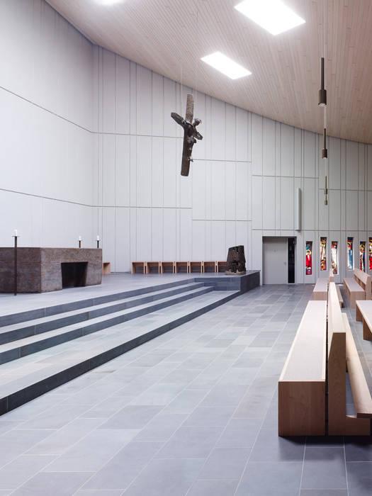 kirche st konrad stuttgart schulen von heinrich quirrenbach naturstein produktions und. Black Bedroom Furniture Sets. Home Design Ideas