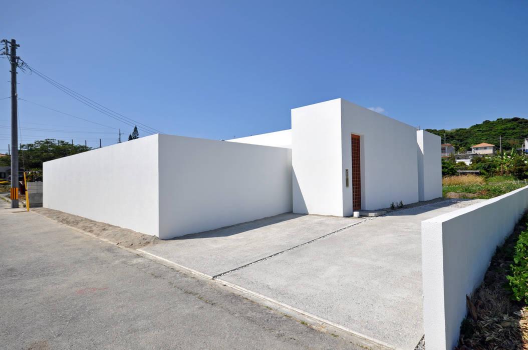 現代房屋設計點子、靈感 & 圖片 根據 門一級建築士事務所 現代風 水泥