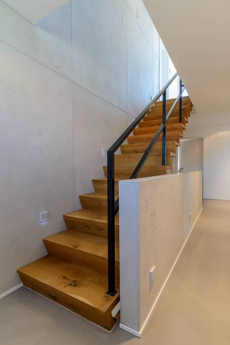 Wandgestaltung Mit Betonlook Für Ein Treppenhaus: Flur U0026 Diele Von Volimea  GmbH ...