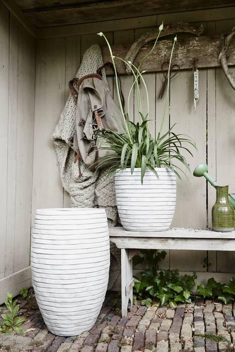 Capi Nature Row - Vase elegant deluxe and Planter ball Ivory van Capi Europe Rustiek & Brocante Aardewerk