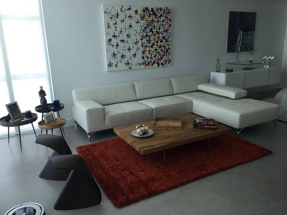 Proyecto Boca Ratón, Estado de la Florida. USA: Salas / recibidores de estilo  por THE muebles, Moderno