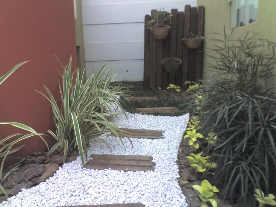 PEQUENOS JARDINS Jardins modernos por Borges Arquitetura & Paisagismo Moderno