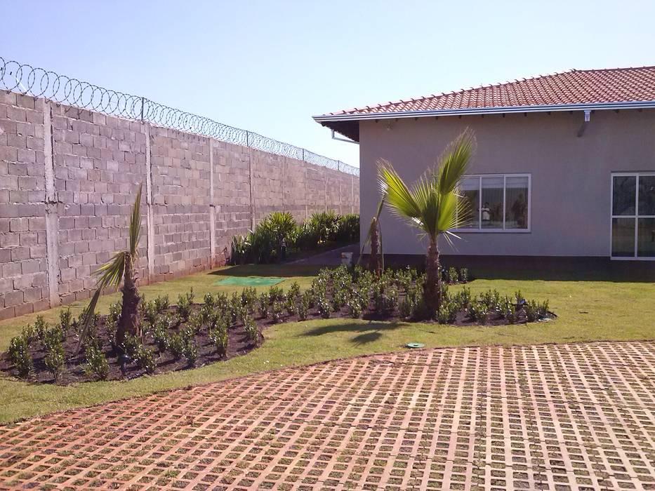 JARDINS E FONTES Borges Arquitetura & Paisagismo Jardins modernos