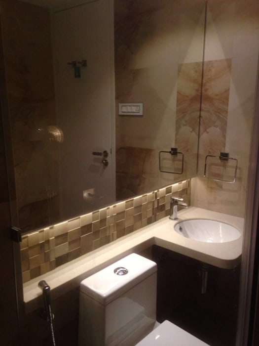 Guest bathroom Minimalist bathroom by Arctistic design group Minimalist Tiles