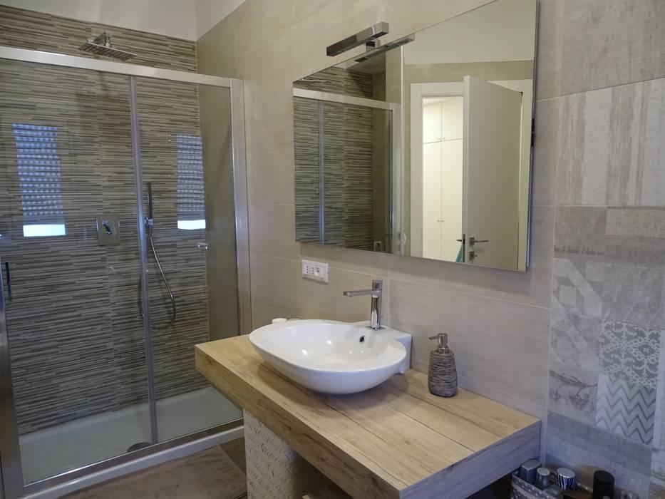 Bagni Con Doccia Foto : Bagno con doccia bagno in stile di nicarch homify