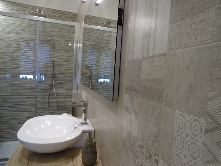 Bagno: Bagno in stile in stile Moderno di NicArch