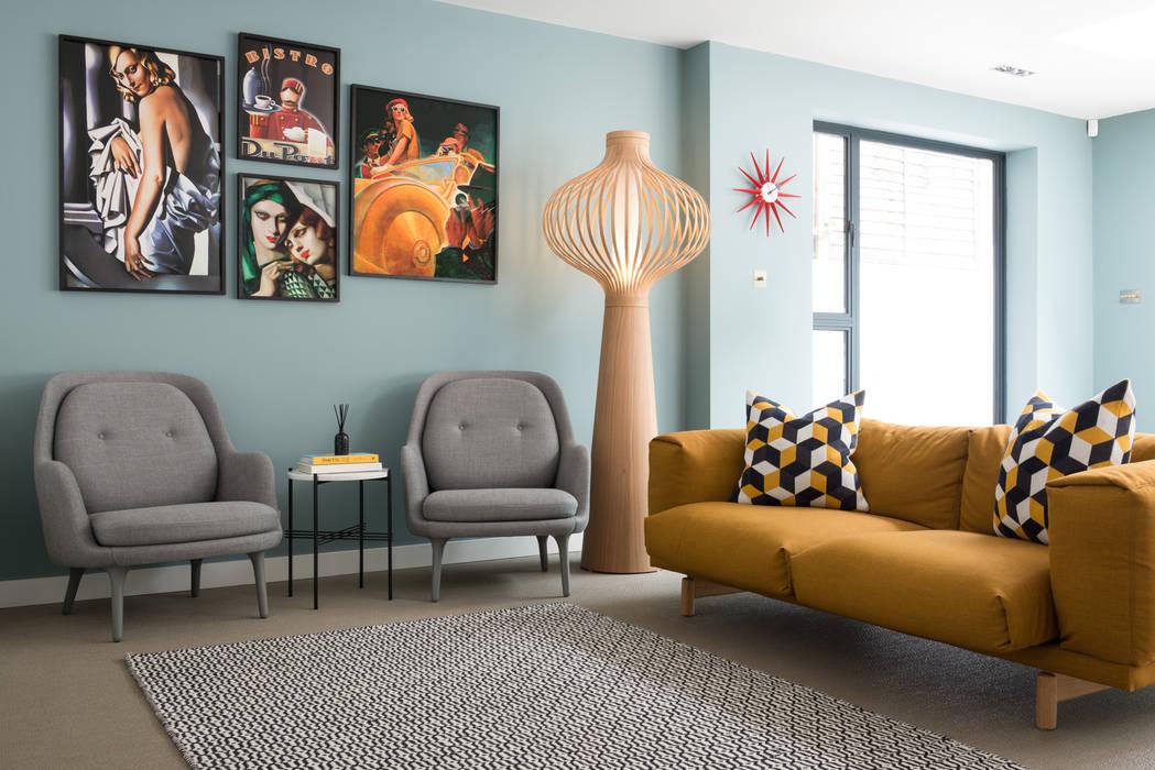 Living Room:  Living room by SWM Interiors & Sourcing Ltd, Modern