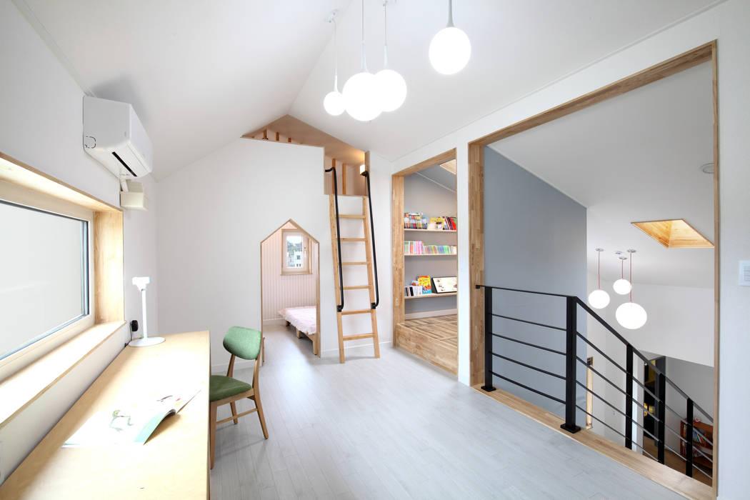 2층: 주택설계전문 디자인그룹 홈스타일토토의  아이방,모던 마분지
