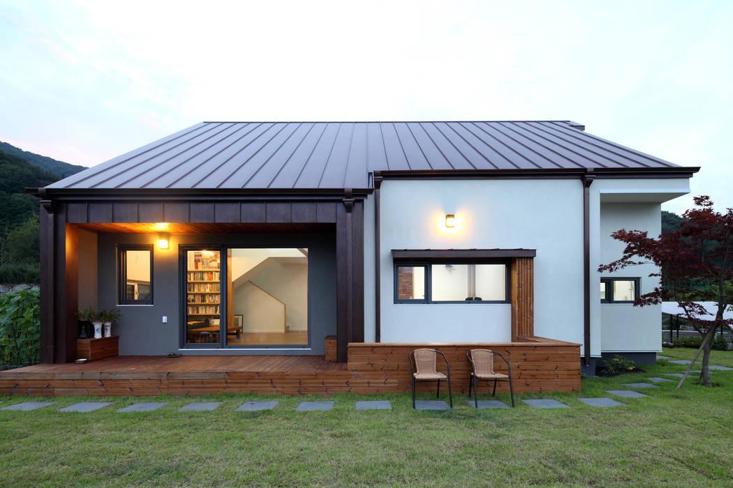 정면 모던스타일 주택 by 주택설계전문 디자인그룹 홈스타일토토 모던