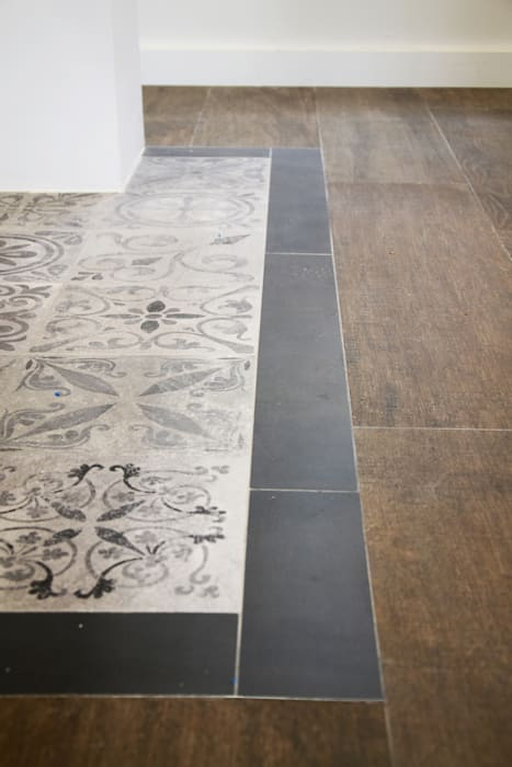 Dinding & Lantai Modern Oleh odea Modern