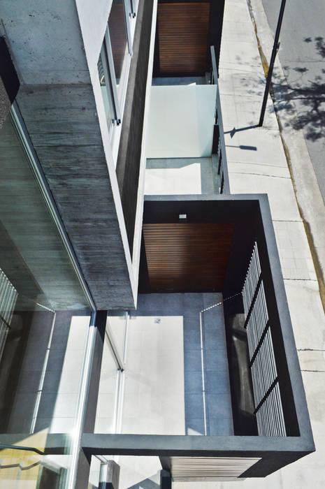 Balcon terraza: Casas de estilo  por F2M Arquitectos