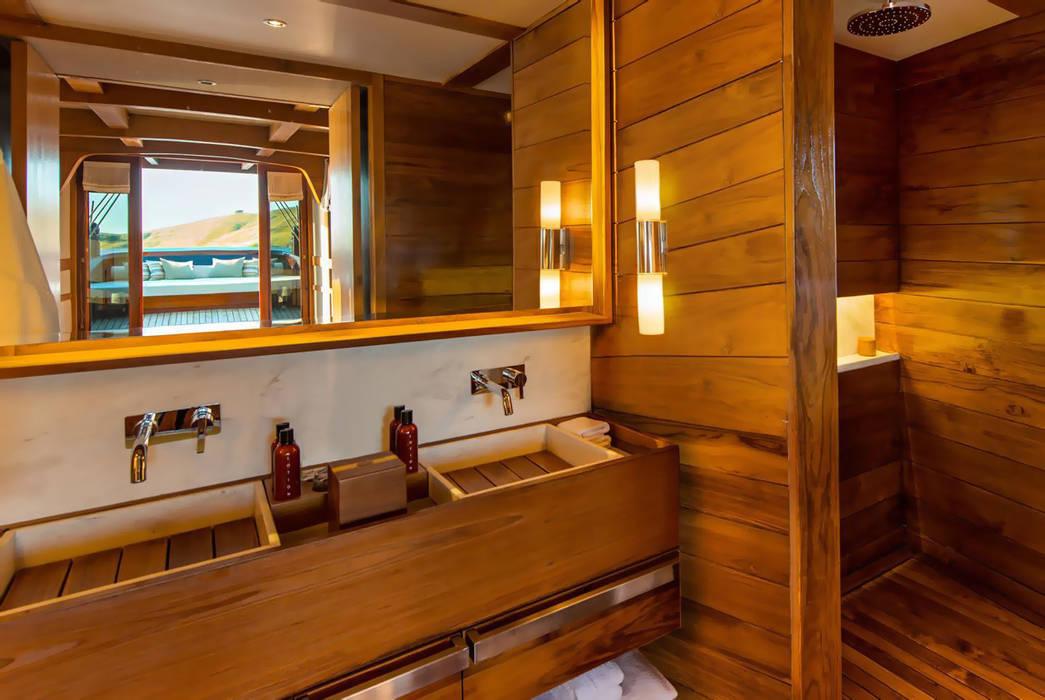 Yates y jets de estilo  por Deirdre Renniers Interior Design,