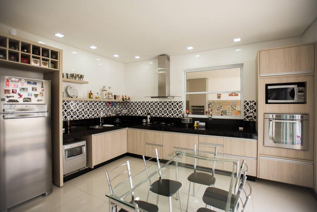Cocinas modernas: Ideas, imágenes y decoración de L2 Arquitetura Moderno Madera Acabado en madera