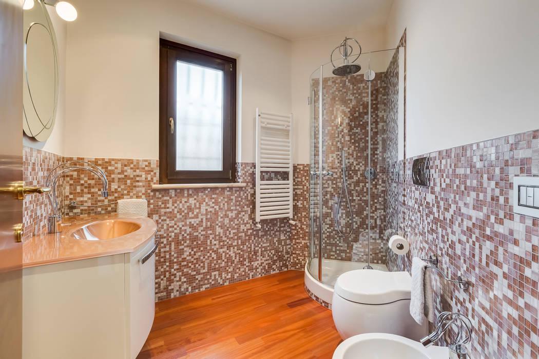 Modern Bathroom by EF_Archidesign Modern