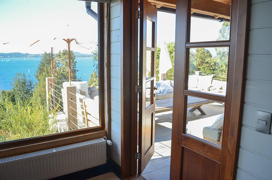 Modelo Ancona Puertas y ventanas rústicas de Ignisterra S.A. Rústico Madera Acabado en madera