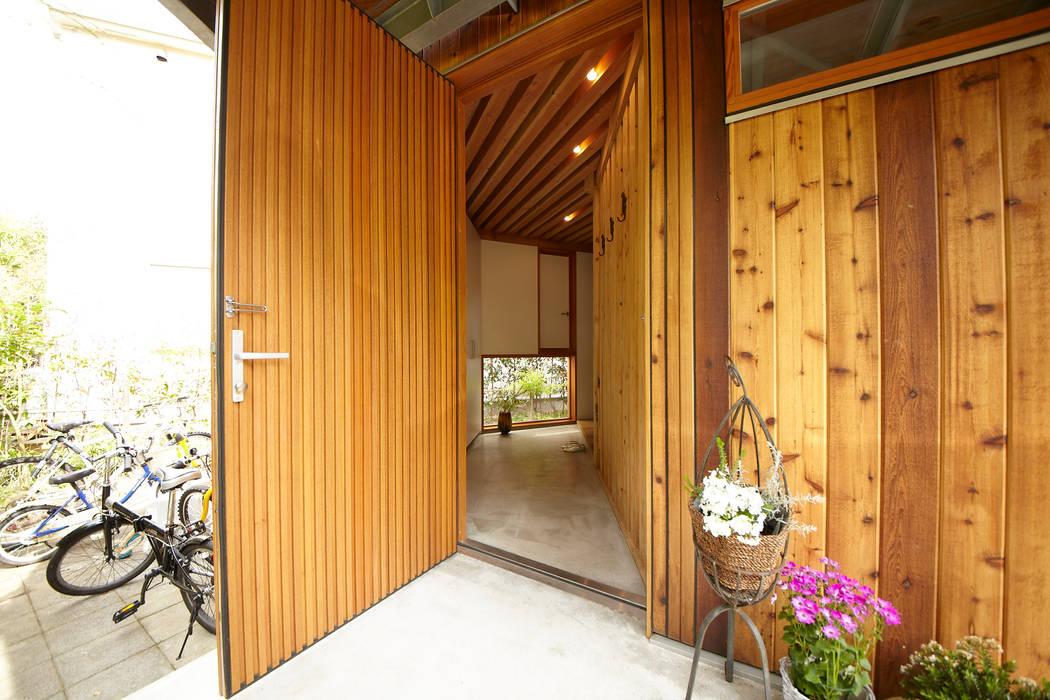 扇の家 すわ製作所 オリジナルスタイルの 玄関&廊下&階段