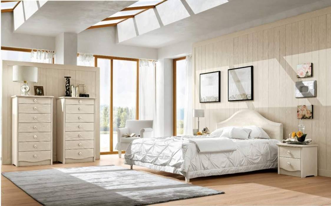 Romantic Bedroom by Casa Più Arredamenti