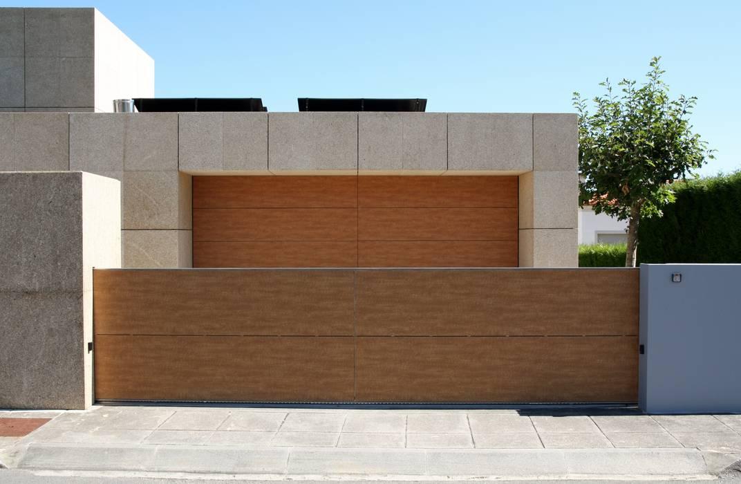 Rumah oleh Valdemar Coutinho Arquitectos, Modern
