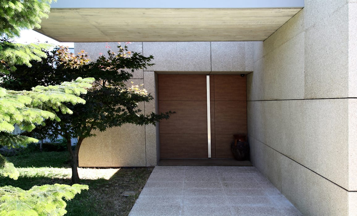 Modern Houses by Valdemar Coutinho Arquitectos Modern