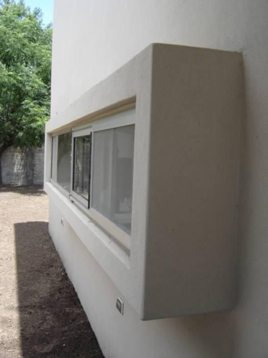 Casa Sarmiento II Casas modernas: Ideas, imágenes y decoración de Estudio Damiani Moderno