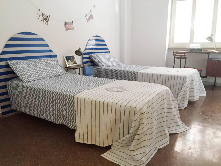 Camera da letto Ragazzi: Camera da letto in stile in stile Moderno di MakeUp your Home