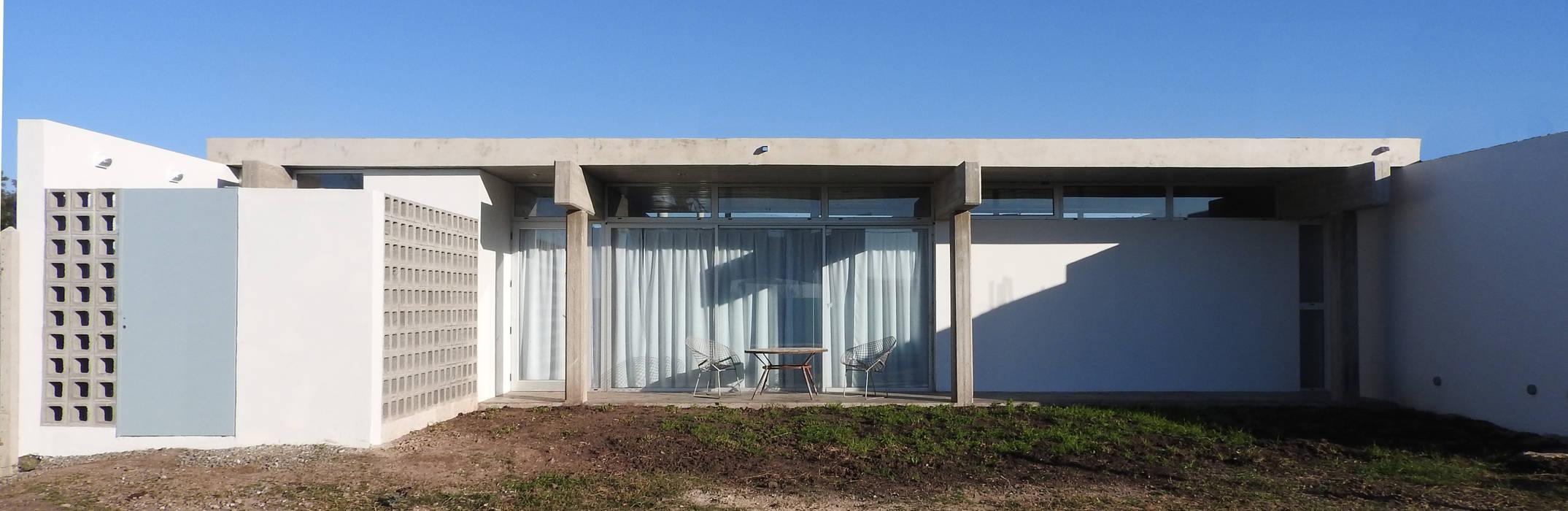 Rumah oleh riverorolnyarquitectos, Modern