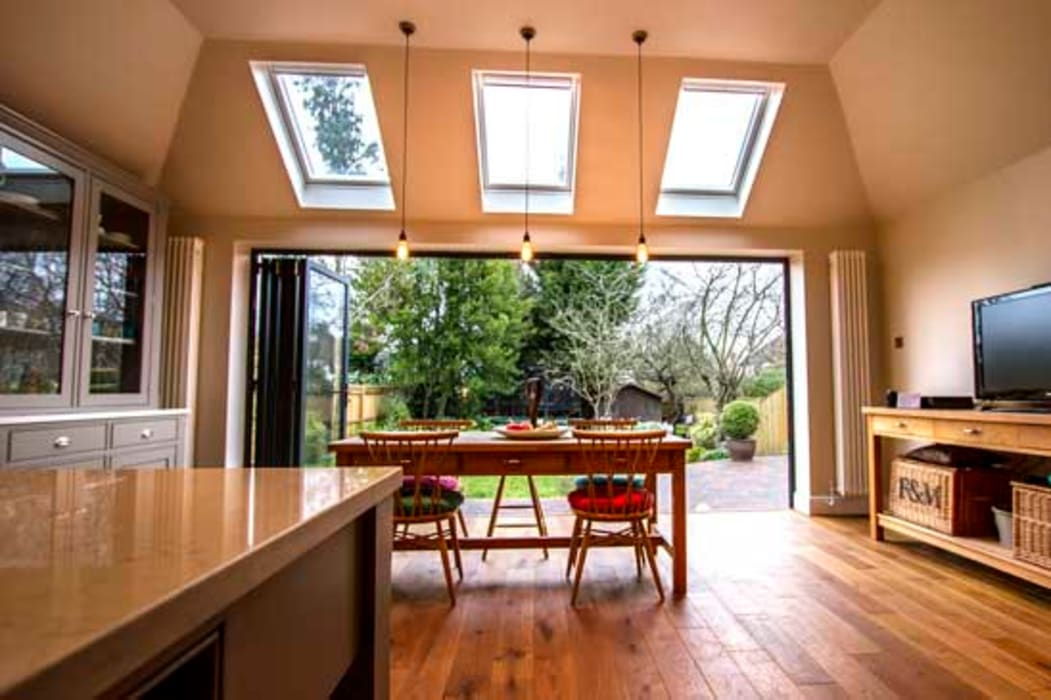 Kitchen by Cube Lofts, Modern